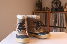 Sorel Made In Canada Insulated 8 Inch Tall Tan Winter Snow Boots Youth Size 3