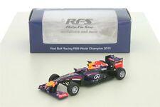 Red Bull RB9 Renault - Vettel - Formel 1 Weltmeister 2013 - 1:64 Spark Y 052