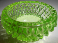 Green Vaseline glass salt dip / cellar celt star diamond pattern master uranium