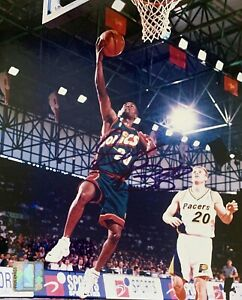 """Gary Payton Signed 8x10"""" Officially Licensed Photo FULL AUTOGRAPH 25 YEARS OLD"""