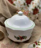 "Vintage Pfaltzgraff Christmas Heritage 8"" Casserole Dish w/Lid 2-315"