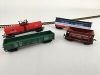 LOT OF 4 HO SCALE FRIEGHT CARS GONDOLA, 1 BAY HOPPER, TANKER AND REEFER.