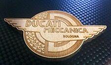Ducati Meccanica logo in legno riproduzione artigianale