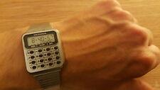 Años 80 vintage agradable MICRONTA Radio Shack Calculadora reloj funciona pero Repuestos Reparación