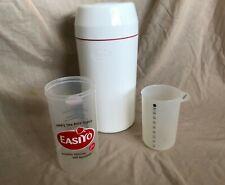 Easiyo yogurt maker with additional measuring flask