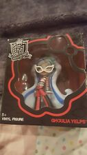 MONSTER HIGH GHOULIA YELPS COLLECTIBLE VINYL FIGURE