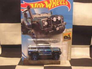 Hot Wheels ZAMAC 2015 LAND ROVER DEFENDER DOUBLRE CAB  (NIP)