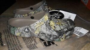NEW Mens Crocs Bay Realtree Xtra Clog Shoes, size 8