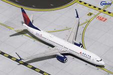 GEMINI JETS DELTA AIRLINES B737-900ER (S) 1:400 N855DN GJDAL1628