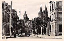 Br50830 L abbaye aux hommes vue de la place st martin Caen France