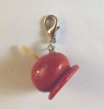 charms argenté pomme d'amour rouge