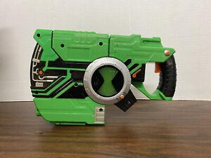 Ben 10 Alien Force Suitcase Gun Tech Blaster - Incomplete Tested Works