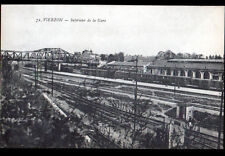 VIERZON (18) TRAIN en GARE animée en 1947
