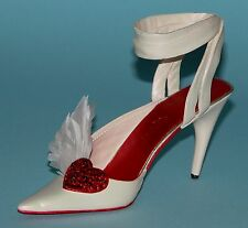 "Just the Right Shoe, Raine, ""Hearts Aflutter"" mixed media miniature # 25440 Nib"