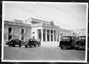 1946 Malta - Valletta -  Cars parked in Palace Square - photo 8 by 5.5cm
