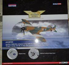 """Archivo de aviación Corgi 1/72 Spitfire F. mkxive """"Ginger"""" Lacey, 17 Sqn, AA38705"""