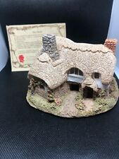 Ostler's Keep by Lilliput Lane Cottage House Figurine Collectible 1985 England