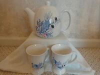 Tea Pot 3 pc. Set Ceramic with lid and 2 pedestal cups, Designpac, Inc. (#0497)