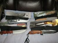 Lot  of 4 SKINNING KNIVES, with sheaths, wood handles, fixed blade.