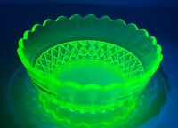 """7"""" Yellow Green Vaseline Glass Bowl Vintage Footed Bowl Glowing Uranium Glass"""