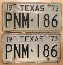 "1973 TEXAS AUTO PASSENGER LICENSE PLATE PLATES MATCHING PAIR "" PNM 186 "" TX 73"