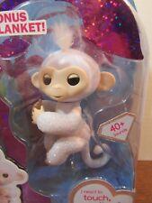 Fingerlings Sugar White Glitter Monkey WowWee Amazon Exclusive Bonus blanket NEW