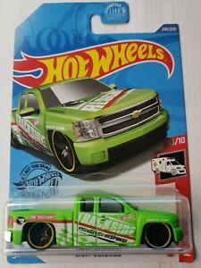 Hot Wheels 2020 Treasure Hunt Chevy Silverado HW Rescue 10/10