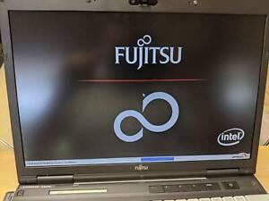 Fujitsu LifeBook E Series - E8410 / 500GB HDD