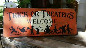 Primitive Halloween Sign Trick or Treaters Welcome Moon Kids in Costumes