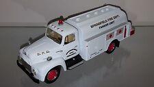 1/34 FIRST GEAR SPRINGFIELD FIRE DEPT. 1957 INTERNATIONAL R-190 W/TANKER 10-1508