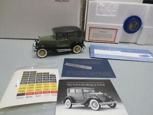 Franklin Mint 1/24 Diecast 1930 FORD MODEL A TUDOR (Green/Black) B1YE09 w/ Box/P