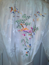 Vintage White Robe with Asian Scene by Yingtan Xl 100% Rayon
