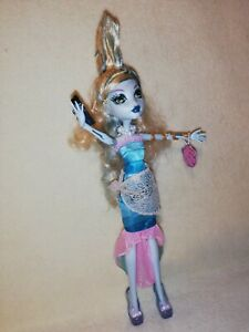 Monster High Lagoona Blue - Dawn Of The Dance. A MINT TIME CAPSULE EXAMPLE!