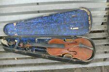 alte Geige mit Kasten