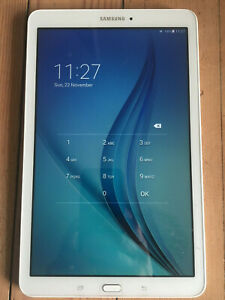 Samsung Galaxy Tab E 8GB, Wi-Fi, 9.6 inch - White & Rugged Rubber Case Bundle
