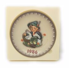 """Vintage Hummel 16th Annual Plate 1986 in bas relief """"Playmates"""" Hum 279"""