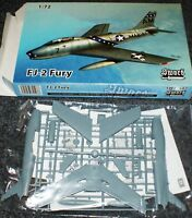 FJ-2 Fury (3x camo) in 1/72 von Sword