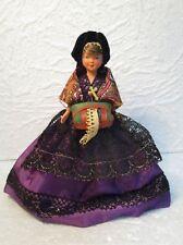 Ancienne poupée folklorique de collection