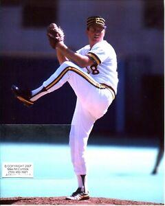 RICK REUSCHEL in action Pittsburgh Pirates Photo (c)  April 1986