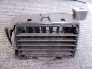 05-10 Chevrolet Cobalt LT FR Outer Dash Air Conditioning AC Heat Air Vent  S-5