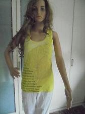 Marc Cain Sports schönerTop/ Shirt mit einem Print und Blätter mit Gold Gr.38