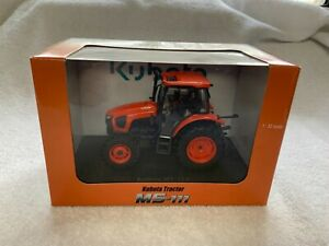 NEW Kubota Collectible M5-111 Toy Tractor Universal Hobbies