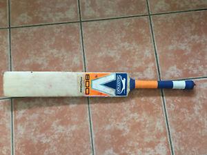 Slazenger V800 Cricket Bat - Size 5 - USED