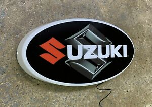 SUZUKI MOTORBIKE LOGO LED LIGHT BOX SIGN PETROL GARAGE AUTOMOBILIA ADVETRISING