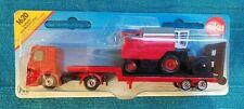 Siku 1620 Mercedes-Benz Actros M Tieflader mit Mähdrescher Rot