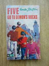ENID BLYTON FAMOUS FIVE  FIVE GO TO DEMON'S ROCKS NO 19 paperback Knight 1972