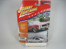 OLDSMOBILE CUTLASS 442 1969 1/64 JOHNNY LIGHTNING (PLATINUM POLY)
