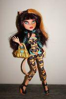 Monster High doll Cleolei Freaky Fusion Mattel