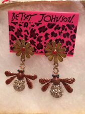 Betsey Johnson HONEY BEE Earrings  GOLD Crystals Adorable