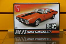 AMT 678   1971 Dodge Charger R/T  1/25